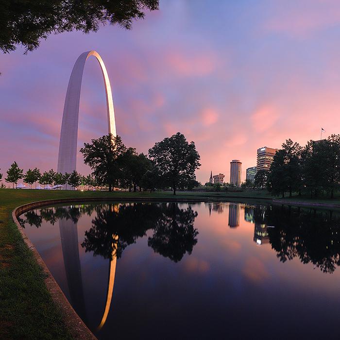 5 St. Louis Themed Wedding Ideas